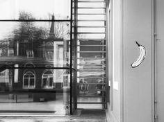 Spuren von Andy #Warhol und #VelvetUnderground an unserer Fassade! #LUDWIGGALERIE #swch © LUDWIGGALERIE