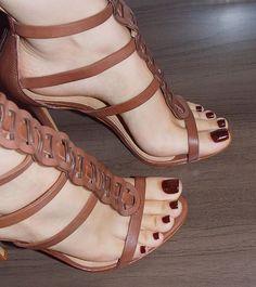 Pretty Toes In Heels: Photo Sexy High Heels, Sexy Legs And Heels, Open Toe High Heels, Stilettos, Pumps, Stiletto Heels, Cute Toes, Pretty Toes, Feet Soles