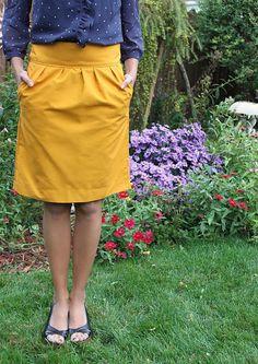 DIY Pencil Skirt - okay I really need to learn to sew.