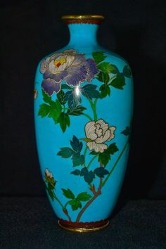 FINE ANTIQUE SILVER WIRE JAPANESE MEIJI CLOISONNE VASE WITH BUTTERFLY