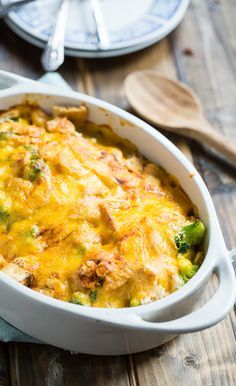 This copycat Cracker Barrel recipe is one of their most popular menu items. Cracker Barrel Broccoli Cheddar Chicken Copycat is the perfect comfort food to make when you need a pick-me-up at the end of Broccoli Cheddar Chicken, Cheddar Cheese Soup, Chicken Broccoli Casserole, Cheese Sauce, Casserole Dishes, Casserole Recipes, Corn Casserole, Restaurant Recipes, Dinner Recipes