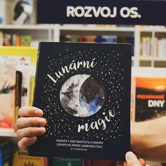 Většina lidí si uvědomuje Měsíc jen o úplňku, když kvůli němu pořádně nespí. Měsíc toho s námi ale umí mnohem víc. Kniha Lunární magie naučí čtenáře vše, co potřebuje k tomu, aby Měsíc pracoval pro něj. Cover, Books, Libros, Book, Book Illustrations, Libri