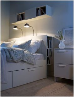 cabecero de cama con espacio para guardar