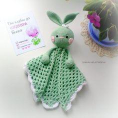 Tavşanlı is a very nice sleeping companion. Crochet Lovey, Crochet Rabbit, Manta Crochet, Newborn Crochet, Crochet Toys, Loom Knitting Projects, Crochet Projects, Amigurumi Patterns, Crochet Patterns