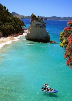 Cathedral Cove, Coromandel, New Zealand