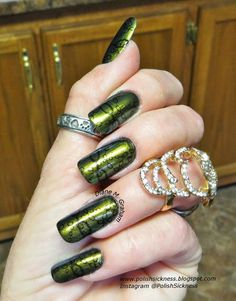Click for Giveaway on her blog ending 04/30 #nails #nailart #green #polish  - bellashoot.com
