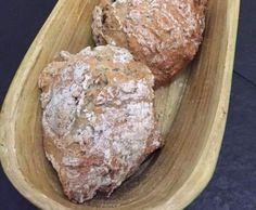 Rezept Dinkel-Bürli mit Chia-Samen von nina_yx - Rezept der Kategorie Brot & Brötchen