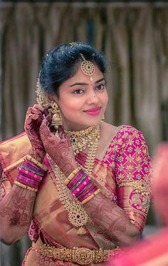 Makeup and jewellery Wedding Saree Blouse Designs, Pattu Saree Blouse Designs, Half Saree Designs, Wedding Silk Saree, Fancy Blouse Designs, Blouse Neck Designs, Wedding Saree Collection, Indian Bridal Wear, Indian Wear