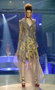 """Definitive Proof """"Games Of Thrones"""" Style Has Infiltrated Fashion Week Vivienne Westwood Spring/Summer 2014"""