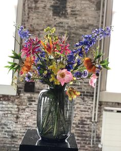 Flower Farm, Flower Pots, Pretty Flowers, Silk Flowers, Ikebana, Flower Decorations, Home Deco, Indoor Plants, House Plants