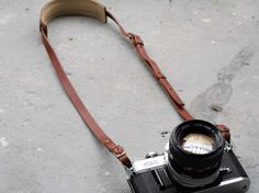 """Roberu SLR Camera Strap - """"In the old days camera accessories like straps, covers and bags were made mainly of leather, but over time brands started producing and consumers settled for nylon and plastic. Roberu brings back that feeling of quality and aesthetics with their handmade leather camera straps."""""""