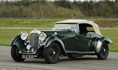 23C7202300000578-2862095-Lagonda_LG45_Cabriolet_Models_of_this_wonderful_car_in_perfect_c-a-4_1417807230293