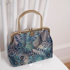Chinese style Navy Blue Embroidered Clutch Bags 2020 Style Chinois, China, Bleu Marine, Chinese Style, Louis Vuitton Speedy Bag, Look Fashion, Navy Blue, Clutch Bags, Handbags