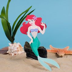 Disney Princess Crafts, Recipes, Printables, and More. Perfect for an Ariel Halloween costume! Little Mermaid Crafts, Little Mermaid Birthday, Little Mermaid Parties, Disney Little Mermaids, Ariel The Little Mermaid, Disney Diy, Disney Princess Crafts, Disney Crafts, Tangled Princess