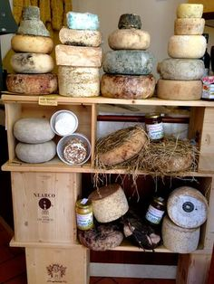 Decoding Italy: Cheese! This is the first in a new blog series that I am starting, Decoding Italy - I hope to demistify some daily aspects of Italian life (food, wine, cultural) for future visitors to Italy!