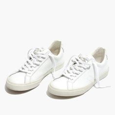 Madewell Womens X Veja Esplar Low Sneakers Veja Esplar, Veja V 10, Sneakers Fashion Outfits, Dress With Sneakers, Sneakers Style, White Nike Shoes, White Sneakers, Madewell, Outfit Chic