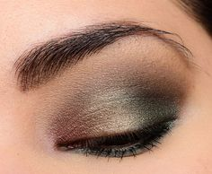 Smashbox Smoky Cover Shot Eye Palette Review, Photos, Swatches. Holiday eye makeup inspiration