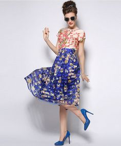 TS Above Knee Bottom , Vintage/Party Polyester Inelastic Pleated Mini Skirt, Midi Skirt, Floral Stripe, Online Fashion Stores, Ball Gowns, Vintage Ladies, High Waisted Skirt, Trending Fashion, Fashion Trends
