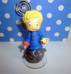 Lembrança meu pequeno príncipe feito em biscuit, com porta-fotos , pode ser usado em aniversário infantil,batizados ,maternidade.