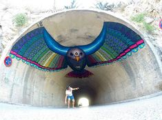 """Flying Eagle Mural In Spain ------------------ Mexican street artist Spaik invites people to embrace their true colours with his latest piece """"Flying Eagle"""". He created it for this year's Bloop Festival in Ibiza, Spain, the theme of which was """"No Fear. 3d Street Art, Street Art Utopia, Murals Street Art, Amazing Street Art, Art Mural, Street Art Graffiti, Street Artists, Land Art, Stencil Graffiti"""