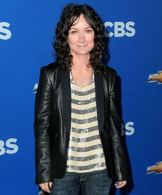 Sara Gilbert The Roseanne alum quietly came out in July shortly after she announced plans to join The Talk. I dont think [being out] will be a problem. I dont ever really think of things as being out or in, she said. I just think I am who I am. Sara Gilbert, Classic Tv, Big Bang Theory, Gay Pride, Brunettes, Coming Out, Lgbt, Peeps, Join