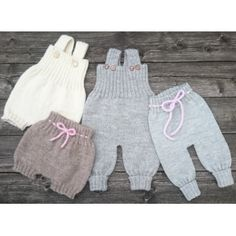 BAGGY BABY Strikkeopskrift Overalls, bukser, bloomers & romber i én