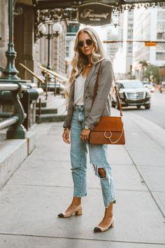 Moda it - Look Blazer + Jeans Boyfriend Destroyed Blazer Jeans, Fall Blazer, Look Blazer, Outfit Jeans, Blazer Outfits Casual, Heels Outfits, Jean Outfits, Dress Casual, Outfit With Blazer