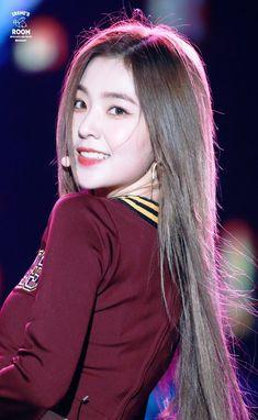 Red Velvet アイリーン, Red Velvet Irene, Velvet Style, Seulgi, Kpop Girl Groups, Kpop Girls, Red Velet, Rapper, Beautiful Asian Girls