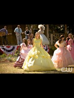 Gorgeous butter yellow southern belle dressing Hart of Dixie.  Absolutely would love to try this dress on!