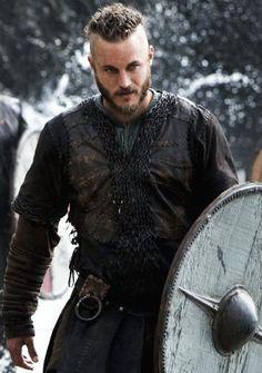 Travis Fimmel as Ragnar Lothbrok in Vikings Ragnar Lothbrok Vikings, Lagertha, Vikings Tv Show, Vikings Tv Series, Vikings Time, Wallpaper Vikings, Viking Wallpaper, Ragnar Lothbrook, Viking Warrior