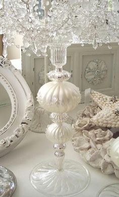 Prior Pin states: romantic shabby chic...I wholeheartedly agree.