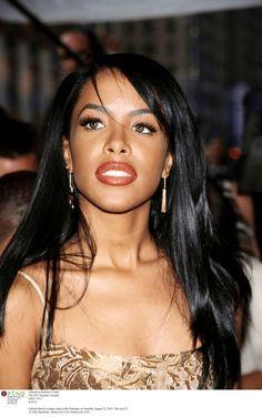 Aaliyah - gorgeous pic