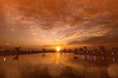 Sunset over Bahrain circuit.  #Endurance Racing  Welcome to my office... #Fujifilm X-T2 - #officialphotographer #travel #wander #wanderlust #fujifilm_xseries #travelshooteditrepeat #lifeasaphotographer #photographer #endurance #adrenalmedia #xphotographer #xphotographers #automotive #location #racetrack #racecar #style #race #racing #motorsport #traveller #photography #lifestyle #fujiholics  #fiawec #elms #fia #race - Photo:  John Rourke/adrenalmedia.com @thefujipro