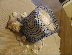Un portavelas con pintura acrílica - http://decoracion2.com/un-portavelas-con-pintura-acrilica/68539/?utm_source=smdeco2&utm_medium=socialclic&utm_campaign=68539 #Diy, #Ideas_Para_Decorar, #Manualidades, #Reciclaje