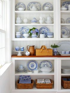 Made in heaven: Blue and white china display Blue White Decor, Decor, House Interior, Dish Display, Shelves, White Decor, Budget Remodel, Blue And White, Home Decor