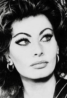 The Golden Year Collection — hollywoodlady: Sophia Loren, Hollywood Icons, Old Hollywood Glamour, Classic Hollywood, Hollywood Stars, Dramatic Eye Makeup, Dramatic Eyes, Divas, Classic Beauty, Timeless Beauty