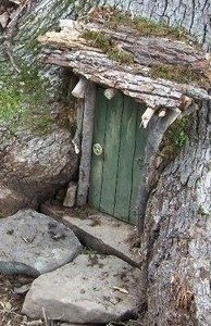 fairy door You are in the right place about Rockhounding idaho Here we offer you the most beautiful pictures about the Rockhounding arizona you are looking for. When you examine the fairy door part of Fairy Doors On Trees, Diy Fairy Door, Fairy Tree Houses, Fairy Garden Doors, Fairy Garden Furniture, Mini Fairy Garden, Fairy Garden Houses, Gnome Garden, Fairy Gardening