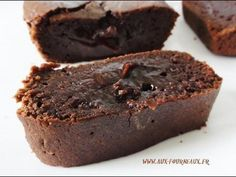 cake decorating 347269821260765808 - L inratable fondant au chocolat Source by marigmay Chocolate Fondant, Best Chocolate, Chocolate Desserts, Sweet Recipes, Cake Recipes, Dessert Recipes, Mousse Au Chocolat Torte, Chocolat Cake, Gula