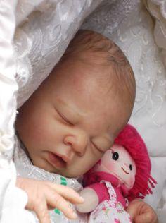 CLARES-BABIES-Beautiful-reborn-baby-girl-ERIN-by-ADRIE-STOETE