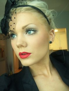 Romantic make up for blonde
