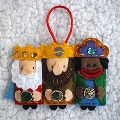 Little Dues: Navidad Christmas Arts And Crafts, Felt Christmas Ornaments, Yarn Crafts, Felt Crafts, Christmas Fun, Fabric Crafts, Sewing Crafts, Christmas Crafts, Nativity Crafts