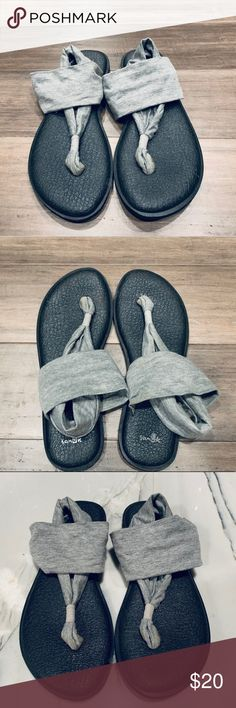 ✅ These are the COMFIEST sandals. Size 9 ❇️ Black bottoms with gray jersey knit straps with tiny silver sparkles. Sanuk Shoes, Women's Shoes Sandals, Black And Grey, Gray, Sparkles, Comfy, Yoga, Knitting, Silver