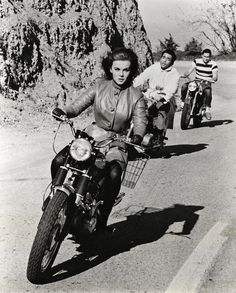 "❤️ Women Riding Motorcycles ❤️ Girls on Bikes ❤️ Biker Babes ❤️ Lady Riders ❤️ Girls who ride rock ❤️ Ann Margret from ""The Swinger"" Ann Margret, Motos Vintage, Vintage Bikes, Vintage Motorcycles, Lady Biker, Biker Girl, Motos Triumph, Scooter Moto, Honda Cb750"