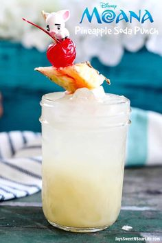 Try this delicious Disney's Moana inspired non-alcoholic drink recipe, it will make you feel as though you are sailing the sea's or on her beautiful island. Moana Pineapple Soda Punch via Disney Drinks, Kid Drinks, Disney Food, Party Drinks, Summer Drinks, Disney Recipes, Disney Parties, Disneyland Food, Summertime Drinks