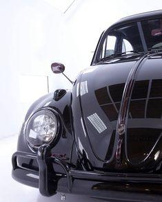 Volkswagen – One Stop Classic Car News & Tips 3008 Peugeot, Peugeot 206, Vw Vintage, Best Classic Cars, Vw Cars, Vw T1, Volkswagen Bus, Vw Camper, New Trucks