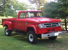 1971 W300 Dodge Power Wagon