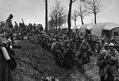 Bataille de Verdun L'arrivée des renforts par la Voie sacrée (Verdun, le 8 avril 1916).
