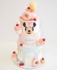 Minnie Mouse Birthday Cakes, Mickey Mouse Cake, Minnie Cupcakes, Mini Tortillas, Candy Theme Birthday Party, Baby Birthday, Ice Cream Cone Cake, Candy Shop, Themed Cakes