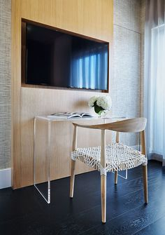 Interior designer Melida Williams featured Japanese Paper Weave 1679 Natural/Black in the home of a client.