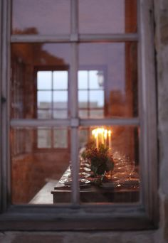 point of view from outside window candlelight layering of windows and reflections framing Noel Christmas, Country Christmas, English Christmas, Christmas Windows, Christmas Feeling, Christmas Events, Christmas Candles, Pretty Things, Thanksgiving Flowers